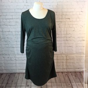 L Lange Maternity long sleeve dress w ruched sides